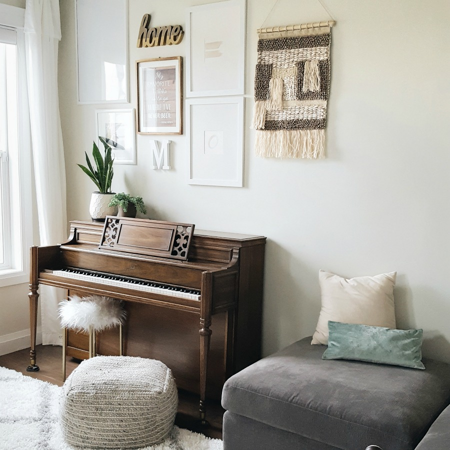 Simple Living Room Refresh Gallery Wall Ideas And Easy Ways To Redecorate Your Living Room For