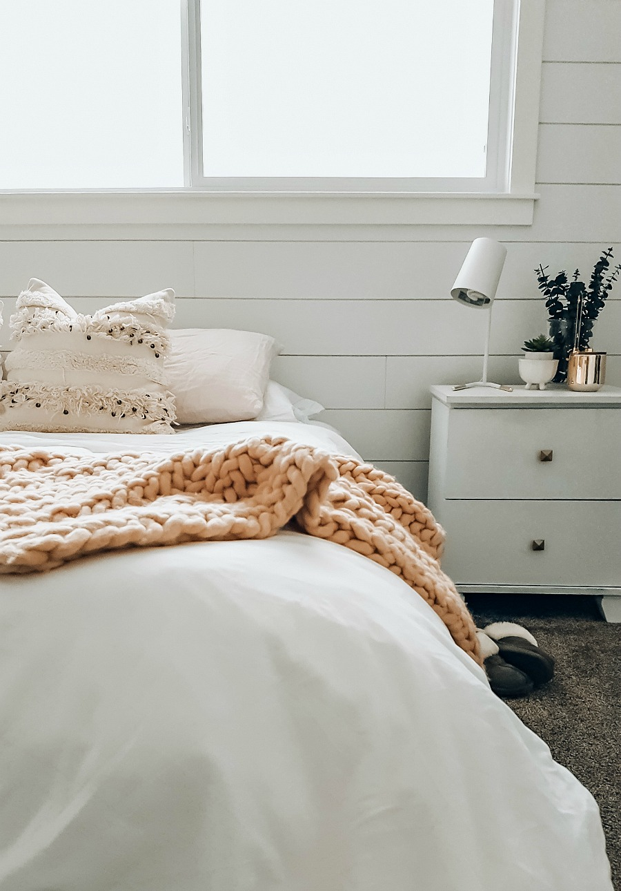 Peachy 5 Ways To Make Your Bed The Coziest Ever The Blush Home Unemploymentrelief Wooden Chair Designs For Living Room Unemploymentrelieforg